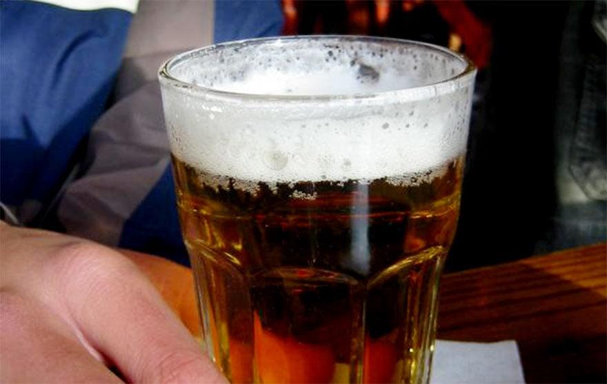 การดื่มแอลกอฮอล์ สาเหตุของโรคไขมันพอกตับ
